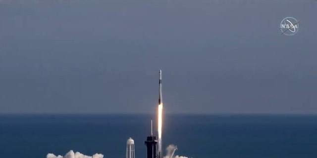 SpaceX launches space station supply mission