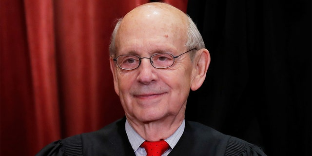 U.S. Supreme Court Associate Justice Stephen Breyer is seen during a group portrait session for the new full court at the Supreme Court in Washington, Nov. 30, 2018. REUTERS/Jim Young
