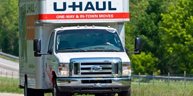 A shared fear among at least a few Reddit users? Realizing that nobody behind the wheel of a U-Haul has much experience operating a U-Haul.