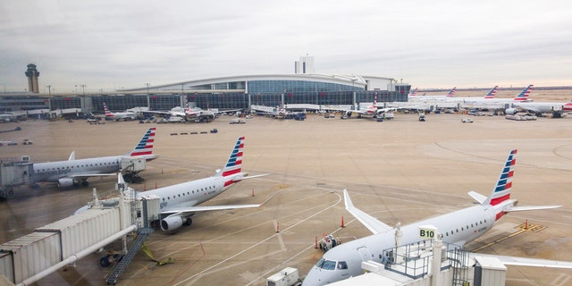 The FAA has requested a full ground stop at DFW Airport (图为) 直到 5:30 下午. CT because the nearby air traffic control center is being cleaned due to recent coronavirus cases. (iStock)