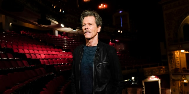 """Kevin Bacon, who will co-host and executive produce """"Play On: Celebrating The Power of Music to Make Change"""" a one-hour benefit concert special to raise funds for the NAACP Legal Defense and Educational Fund, 公司. (LDF) and WhyHunger."""
