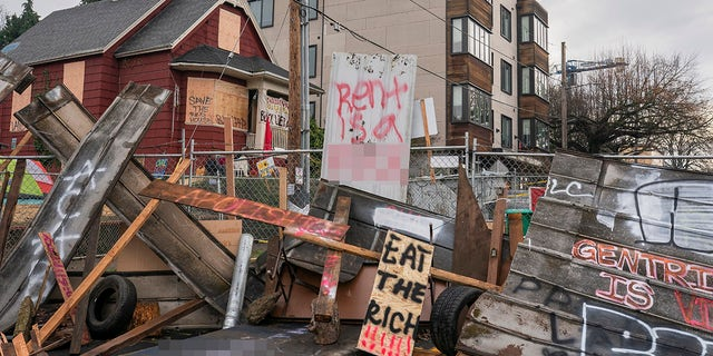 Portland police, protesters clash over foreclosed Black family