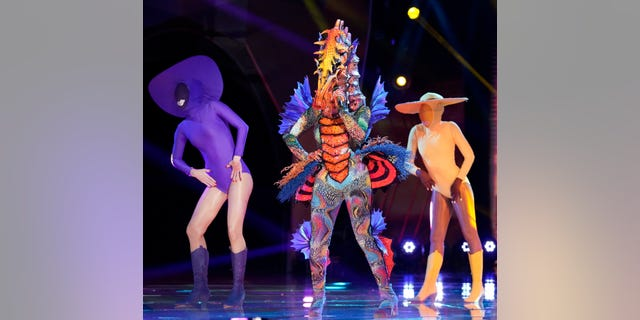 "Tori Kelly was revealed as the seahorse in ""Il cantante mascherato"" semifinals on Wednesday night."