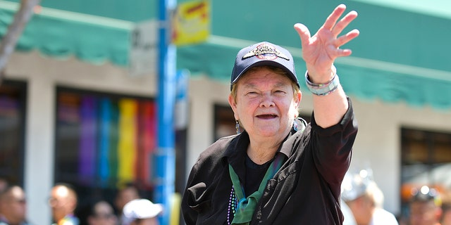 Sheila Kuehl at LA Pride 2019 on June 07, 2019, in West Hollywood, 加利福尼亚州. (Photo by Rodin Eckenroth/WireImage)