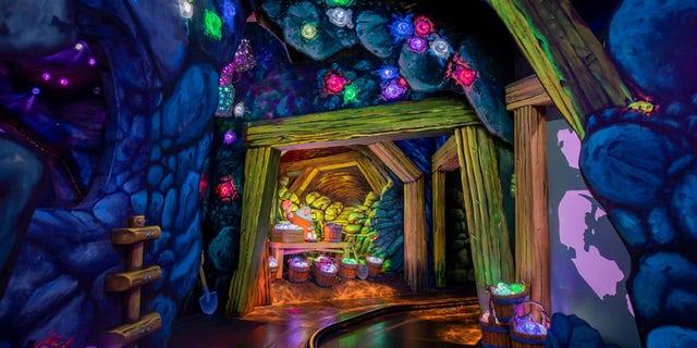 Disneyland's Enchanted Snow White Dream Tour.