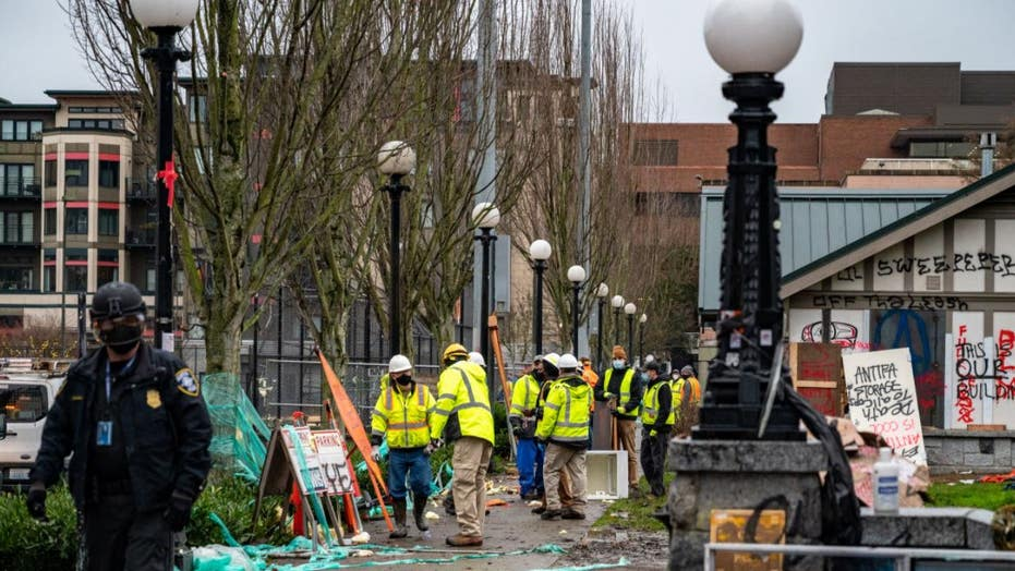 Seattle Police make 21 arrests while clearing out homeless encampment