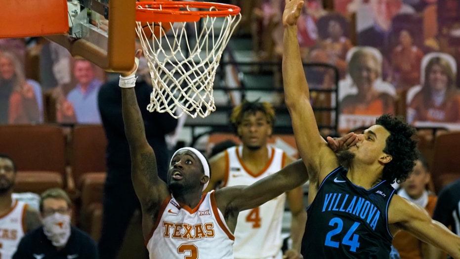 No. 12 Villanova hands No. 17 Texas first loss 68-64