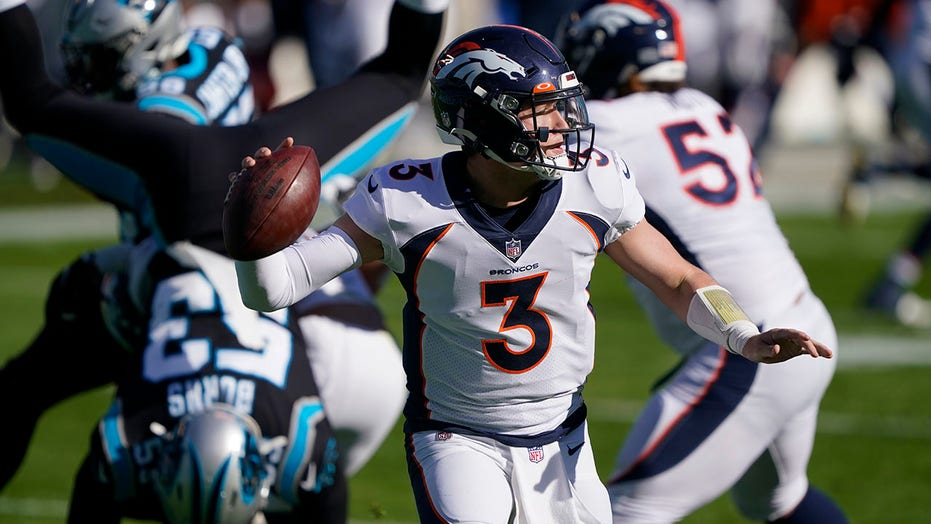 Lock throws career-high 4 TDs, Broncos top Panthers 32-27