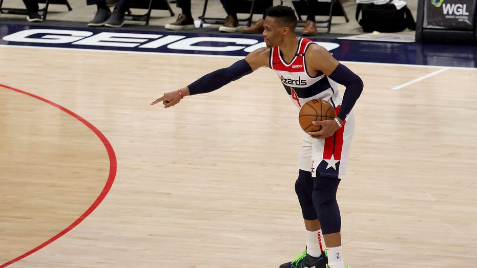 Westbrook debuts for Wizards in win over Detroit