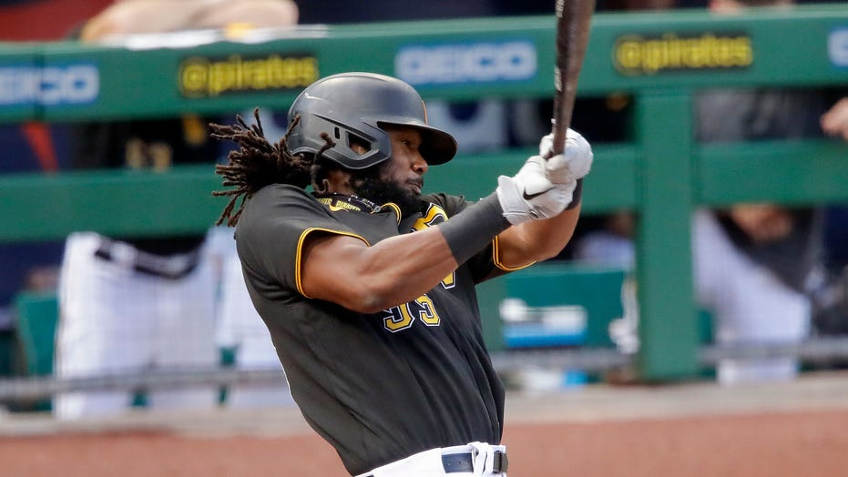 Pirates trade slugger Josh Bell to Nationals