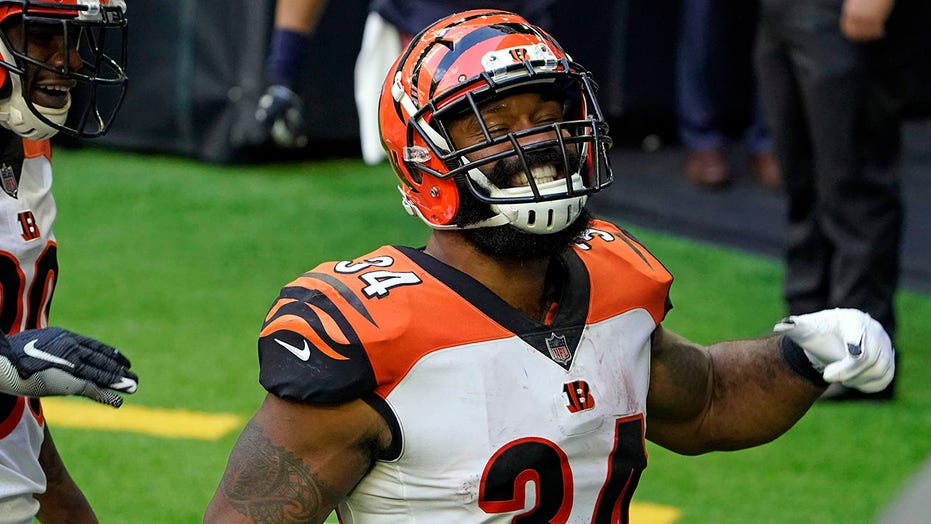 Bengals beat Texans 37-31 for first road win since 2018