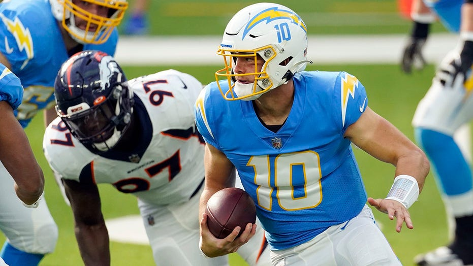 Chargers win third straight as Herbert sets rookie TD mark