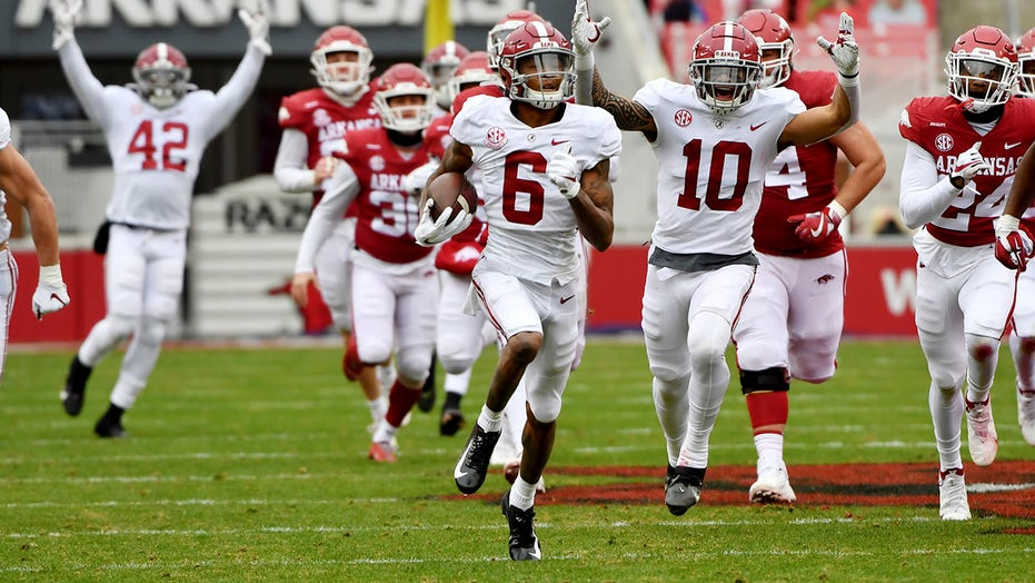 Tide's DeVonta Smith the 1st WR to win AP Player of the Year
