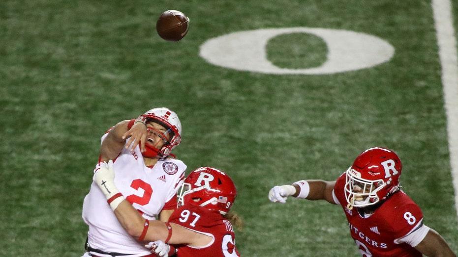 Martinez, Nebraska overcome 4 turnovers, beat Rutgers 28-21