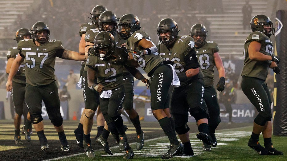 Army, with 9 wins, fights for bowl game: 'They deserve better. Period'