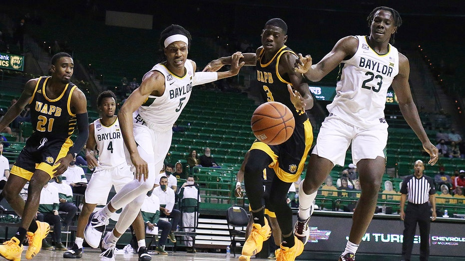 No. 2 Baylor cruises to 99-42 victory over Ark-Pine Bluff