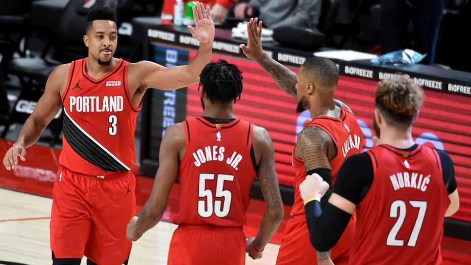 McCollum scores 44 to lift Trail Blazers past Rockets in OT