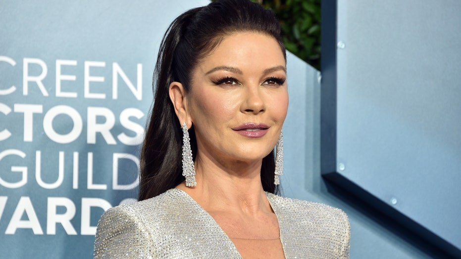 Catherine Zeta-Jones injures her foot while putting up holiday decorations: 'Pain was worse than labor'