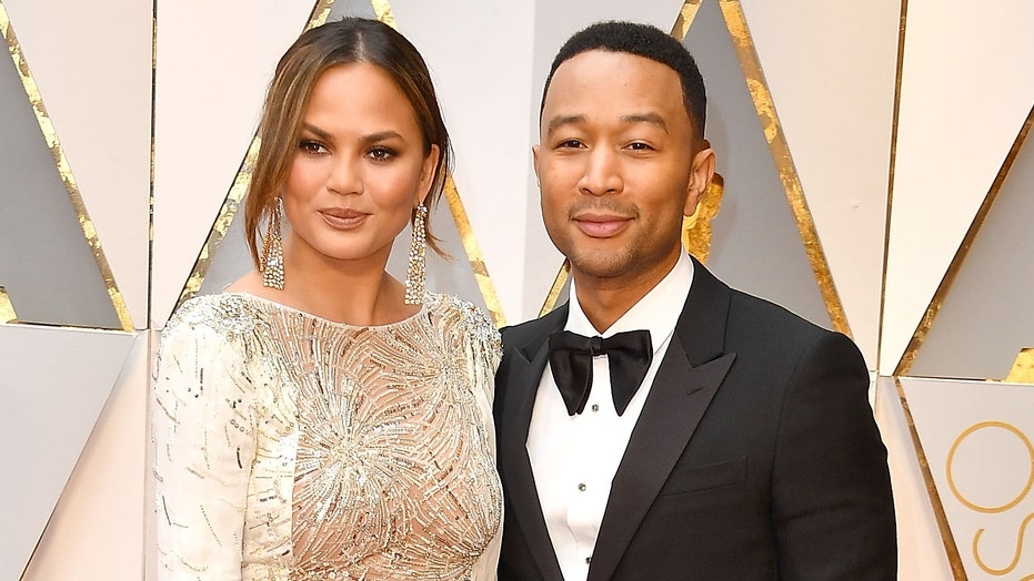 John Legend gets emotional after 'Voice' contestant dedicates song to Chrissy Teigen after pregnancy loss