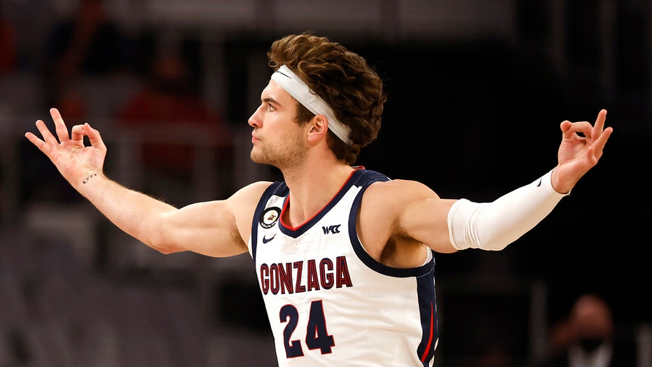 No. 1 Gonzaga rolls over most recent champ Virginia, 98-75