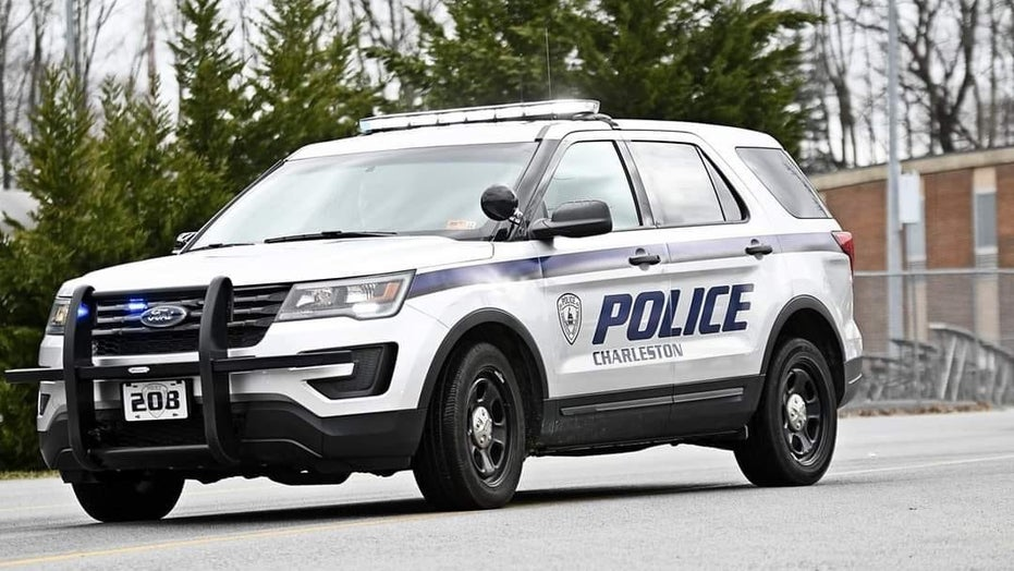Cop shot in face in Charleston, W. Va., 1 suspect in custody, reports say