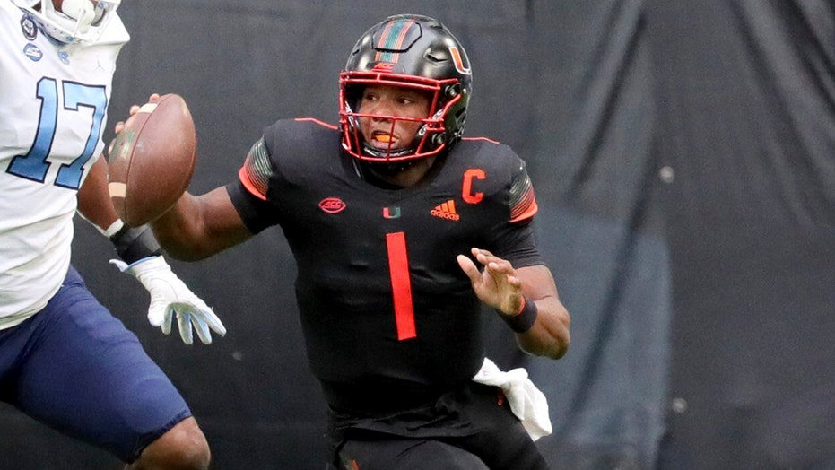 QB D'Eriq King says he's returning to Hurricanes in 2021