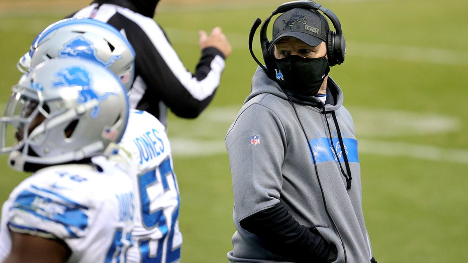 Lions' Bevell can't coach vs Bucs due to COVID protocols