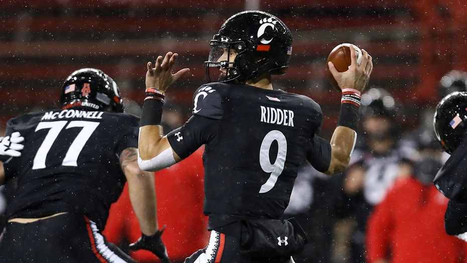 Cincinnati kicks game-winning field goal to win AAC title, stay undefeated