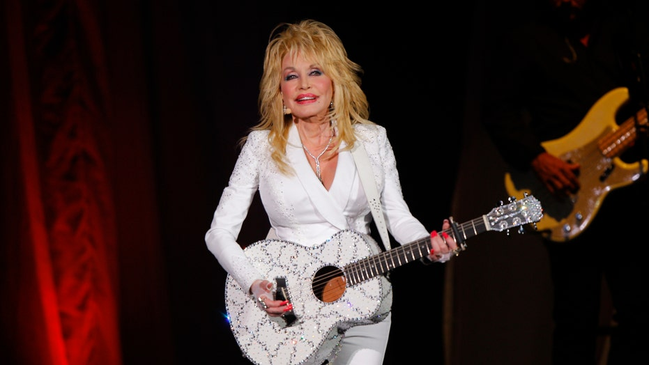 Dolly Parton has 'secret song' locked away at Dollywood