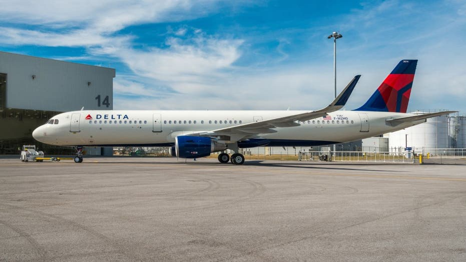 Passengers open cabin door, use emergency slide before flight from LaGuardia