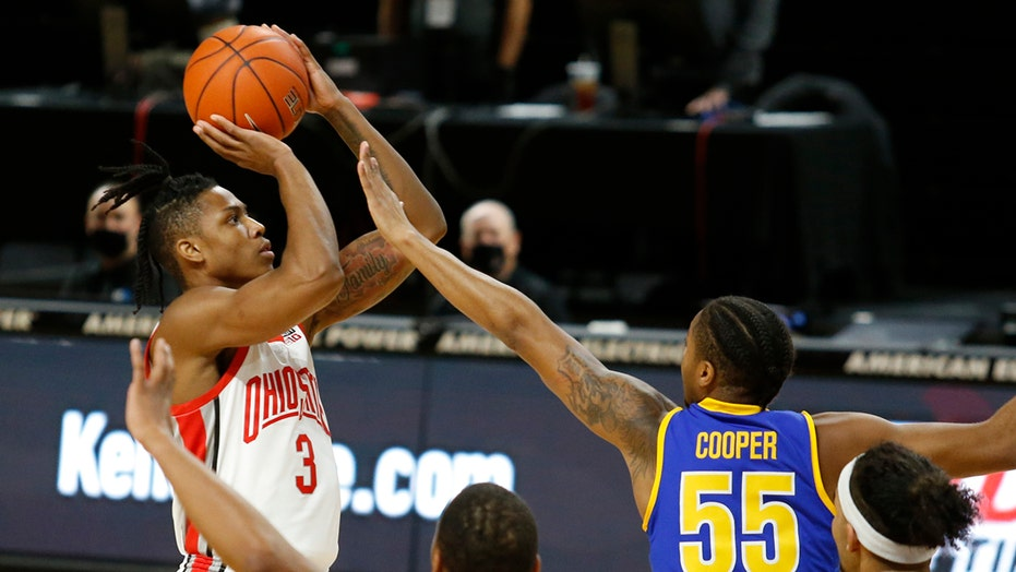 No. 23 Ohio St pulls away, routs Morehead State 77-44