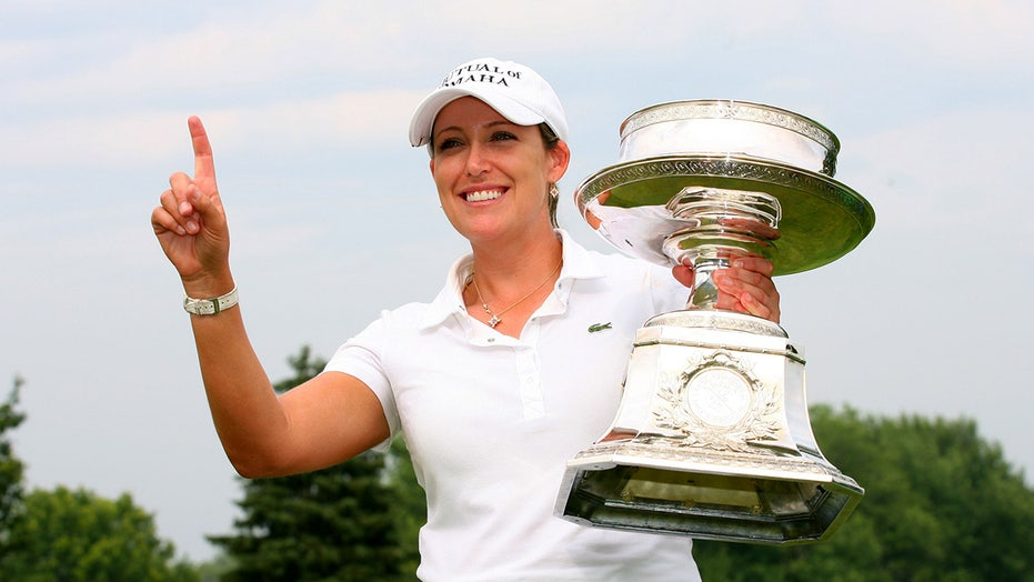LPGA star Cristie Kerr, caddie recovering after golf cart crash