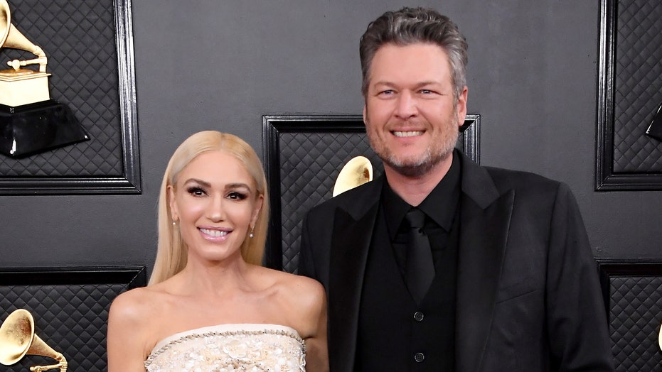 Blake Shelton reveals he hid Gwen Stefani's engagement ring in his truck for 'about a week'