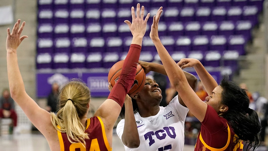 Ashley Joens lei nr. 23 Iowa State-vroue oor TCU 91-68