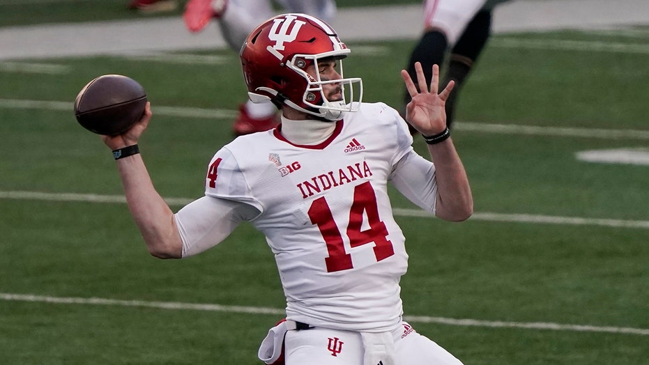 Tuttle, D lift No. 10 Indiana past No. 18 Wisconsin 14-6