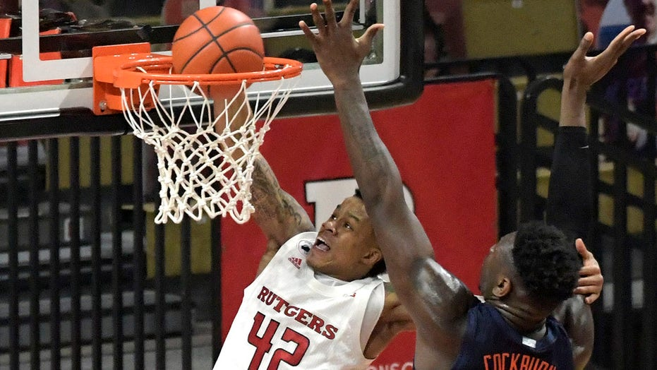 No. 19 Rutgers beats No. 13 Illinois to remain unbeaten