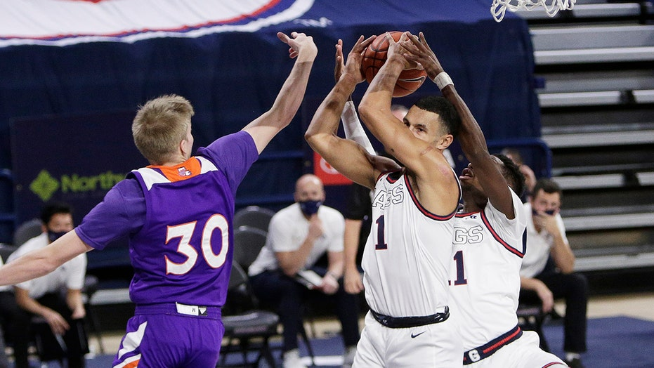 Kispert leads No. 1 Gonzaga over Northwestern St. 95-57