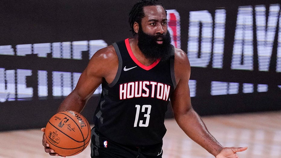 Harden practices with Rockets; coach says he'll play Tuesday
