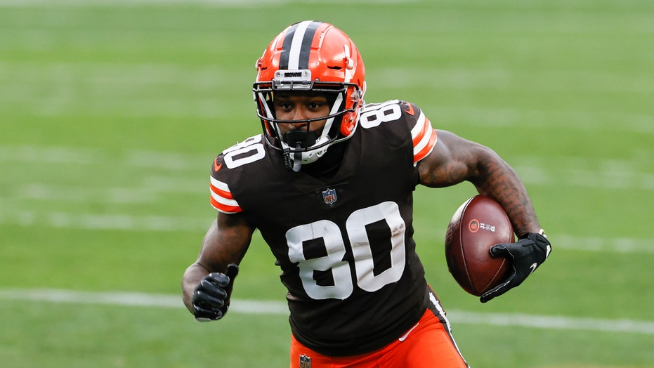 Browns down 6 players for Jets game due to COVID protocols