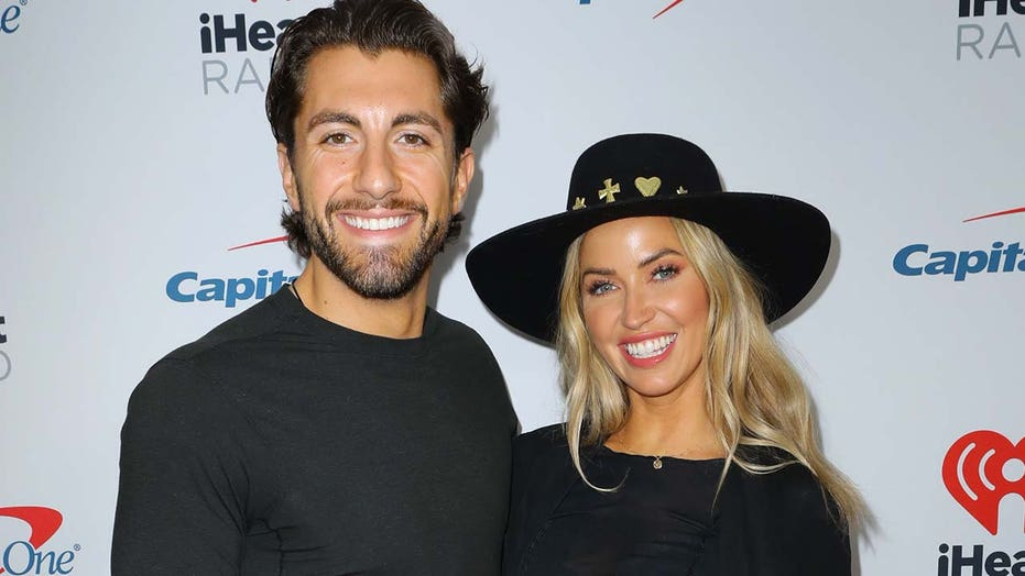 'Bachelorette' stars Kaitlyn Bristowe, Jason Tartick say they have coroanvirus, will spend Christmas alone