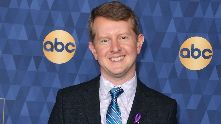 'Jeopardy!' star Ken Jennings apologizes for 'insensitive' tweets — including one about Barron Trump
