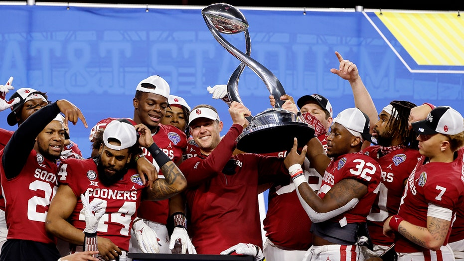 Gators rattled: No. 8 Oklahoma routs Florida in Cotton Bowl