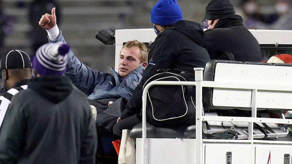 Louisiana Tech quarterback suffers gruesome injury in game vs. TCU
