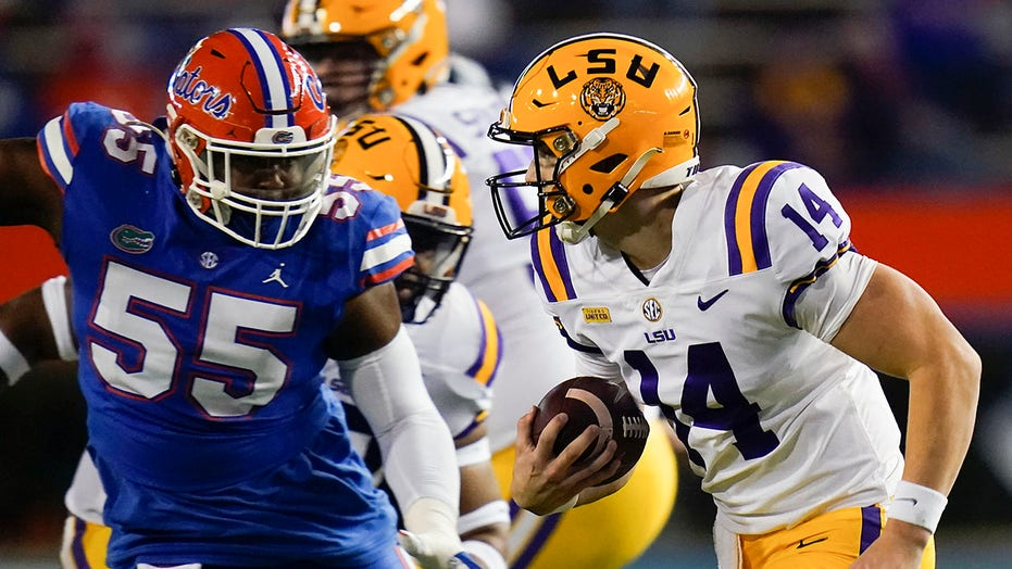 Florida-LSU shoe play draws reaction from infamous Iraqi journalist