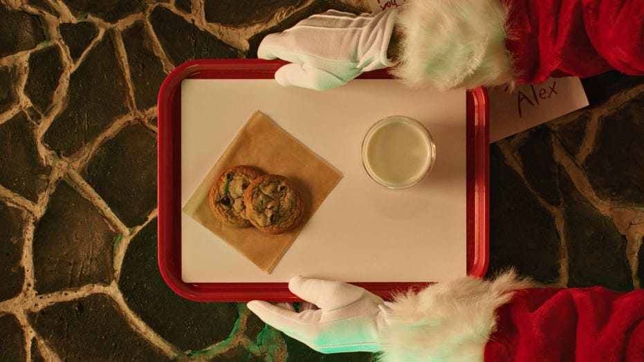 McDonald's giving free cookies on last day of Christmas app promotion