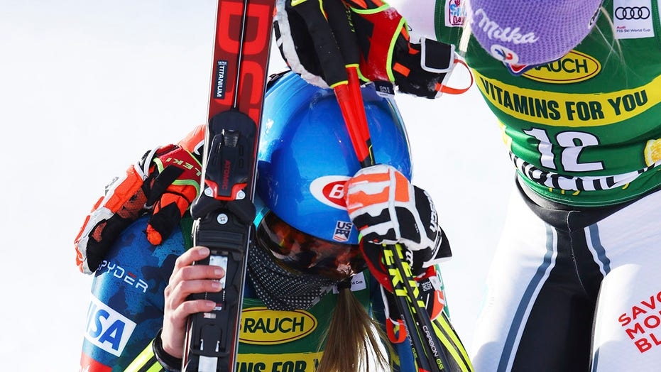 Mikaela Shiffrin wins emotional World Cup giant slalom race