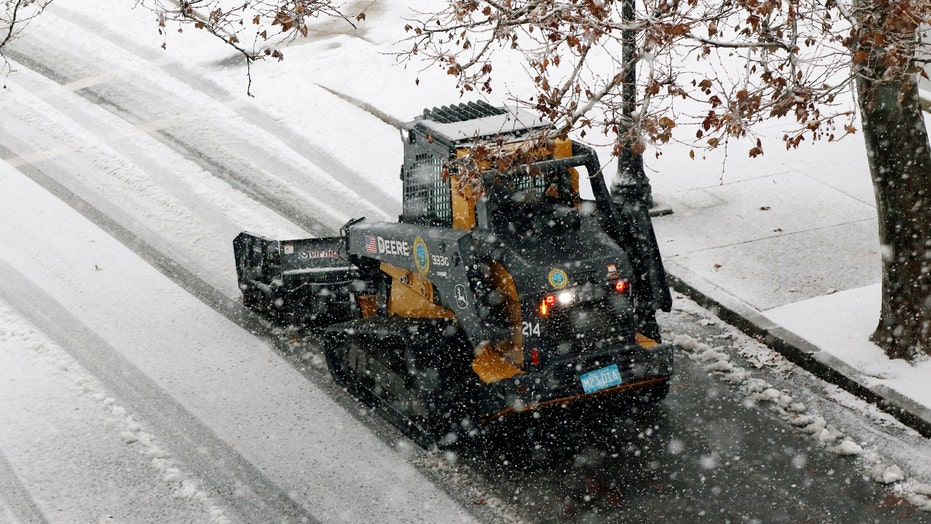 Nor'easter dumps snow, sparks power outages in Maine, New Hampshire