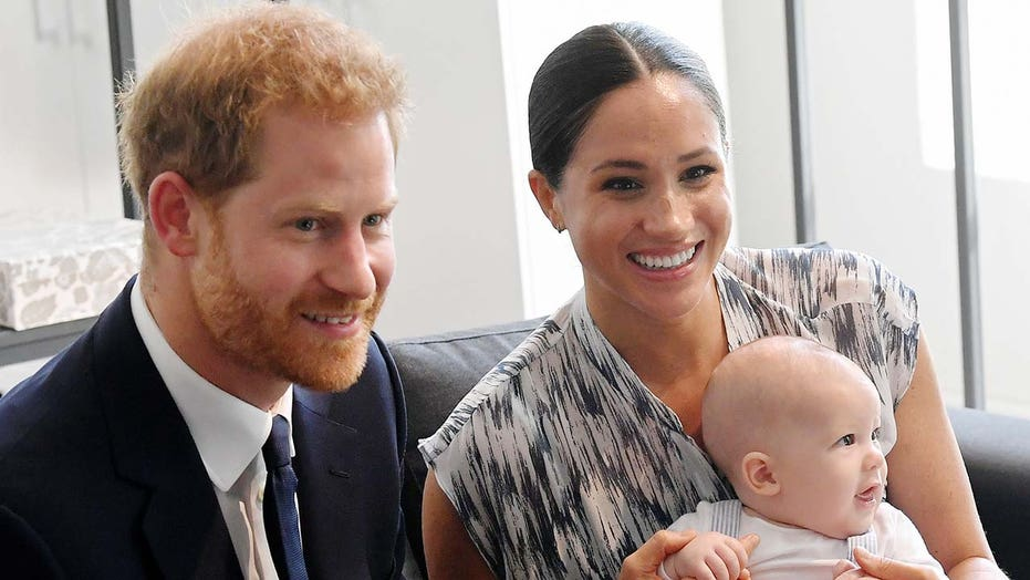 Meghan Markle, Prince Harry's cheery Christmas card featuring 1-year-old son Archie revealed