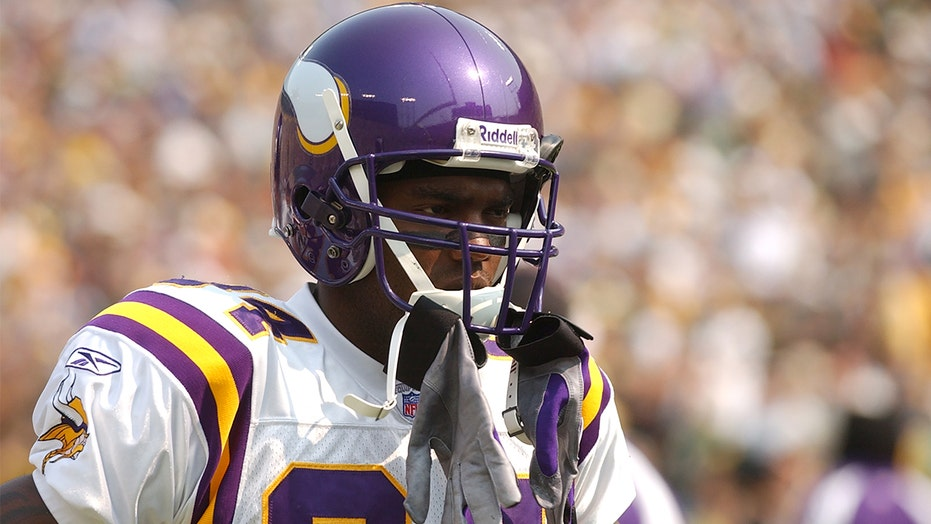 Randy Moss reveals his list of best NFL wide receivers of all time; one great apparently disagrees