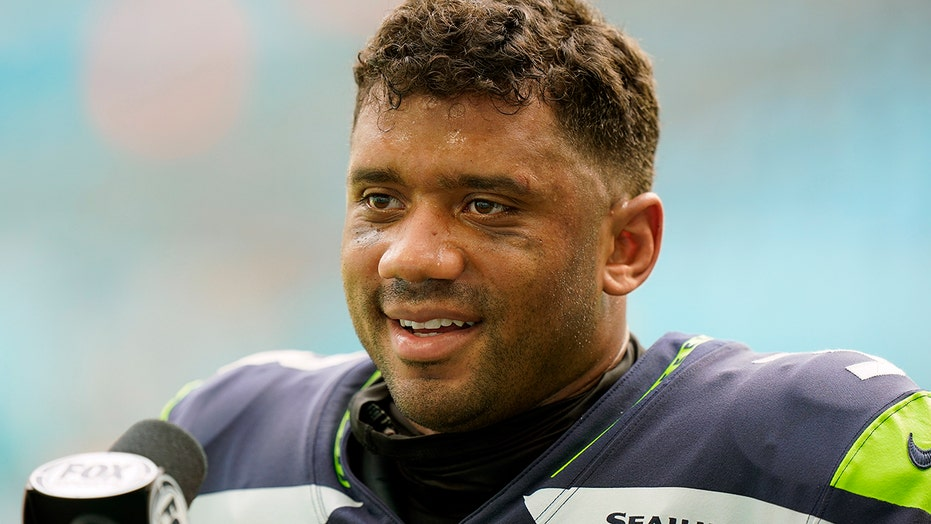 Russell Wilson, Travis Kelce among NFL Man of Year nominees